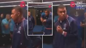 Referee Scares The Life Out Of Kylian Mbappé Before PSG Take on Leipzig