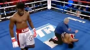Boxer's Body Goes Completely Limp After Being Knocked Out Cold