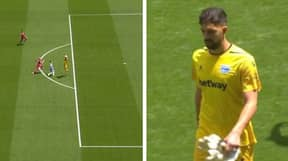 Alaves Goalkeeper Gets Sent Off For Catching The Ball Outside The Area