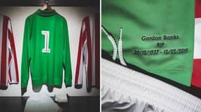 Jack Butland Wears Throwback Green Goalkeeper Shirt In Tribute To Gordon Banks