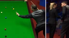 Snooker Player Sticks His Middle Finger Up At The White Ball And Gets Warning