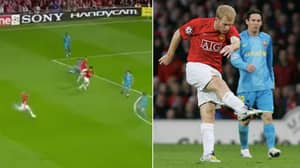 On This Day: Paul Scholes Scored That Absolute Screamer Against Barcelona