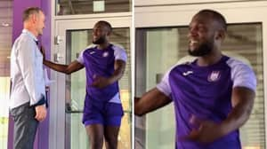 Romelu Lukaku Bizarrely Pictured Training At Anderlecht With Man Utd Future Up In The Air