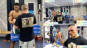 Footage Of Anthony Joshua Meeting Oleksandr Usyk Backstage Has Emerged - Joshua Had A Message For Him