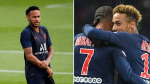 Paris Saint-Germain Dressing Room Hilariously Teased Neymar When He Announced He Was Staying At The Club