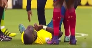 WATCH: Enner Valencia Pretends To Be Injured To Get Away From Police