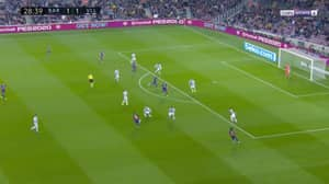Lionel Messi Takes Five Real Valladolid Players Out Of The Game With World-Class Assist For Arturo Vidal's Goal
