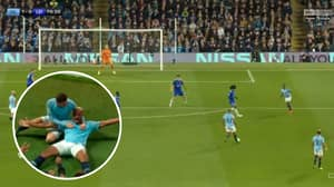 Vincent Kompany Scores An Absolute Screamer As Man City Beat Leicester