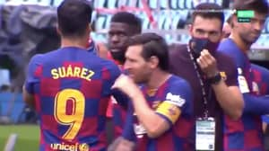 Lionel Messi Completely Ignores Barcelona Assistant During Drinks Break