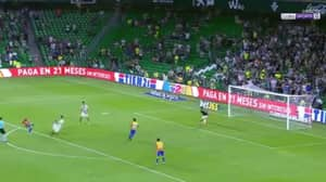 Watch: Man United Starlet Andreas Pereira Scores Screamer For Valencia