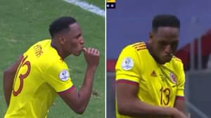 Yerry Mina Celebrates Penalty In The Middle Of A Shoot Out