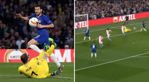 Pedro Produces Stunning Finish After Chelsea Players Perfectly Pull Off Sarriball