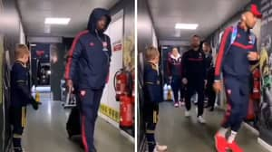 Arsenal Players Filmed Shockingly Ignoring Young Mascot Before Norwich Game