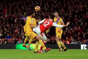 Arsenal Fans Are Having Breakdowns Over Giroud's Scorpion Kick Snub