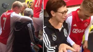 Ajax Players Once Had Their Mums As 'Mascots' For Mother's Day