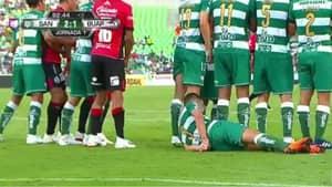 This Is How Liga MX Side Santos Laguna Defend Free-Kicks