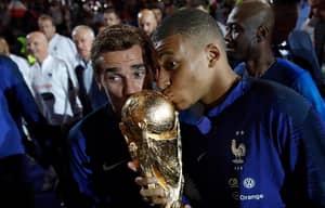 Antoine Griezmann Busts Out Fortnite Dance For France's World Cup Celebration