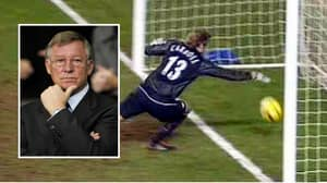 Sir Alex Ferguson's Surprising Reaction To Roy Carroll's Infamous Mistake Against Tottenham
