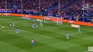 WATCH: Fernando Torres Missed An Absolute Sitter, Last Night