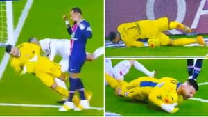 Anthony Lopes Trolls Neymar With Incredible Piece Of Shithousery During PSG Vs. Lyon