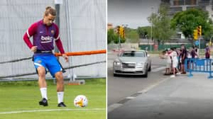Antoine Griezmann Booed By Barcelona Fans On Arrival To Training After Lionel Messi Departure