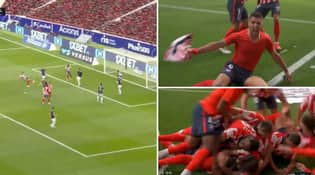 Luis Suarez Scores Incredible Late Goal To Damage Real Madrid's Title Hopes