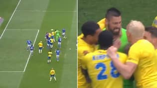 Incredible Scenes As Torquay Goalkeeper Scores 95th Minute Equaliser In Play-Off Final
