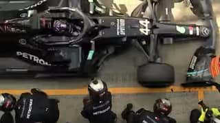 This Pit Crew Changed The Tyres On Two F1 Cars In Under 8 Seconds