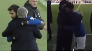 Ole Gunnar Solskjaer Embraced Andre Gomes After He Was Subbed Off