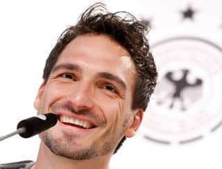 Mats Hummels Delivers Cool Reply After Being Called a Snake