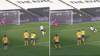 Ivan Cavaleiro Slips As He Misses Fulham Penalty Vs Everton