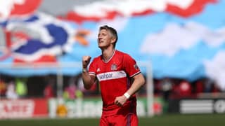 Woman Asks For Picture With Chicago Fire Team, Gets Bastian Schweinsteiger To Take It