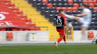 Denizlispor Defender Özer Özdemir Sent Off For One Of The Worst Tackles In Football History