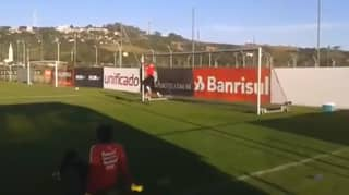 Dida's Goalkeeper Training At The Age Of 41 Is Absolutely Ridiculous