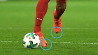 The Reason Mats Hummels Cut Holes In Both Of His Boots vs Dortmund