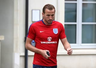 England Staff Are Urging Roy Hodgson To Drop Harry Kane