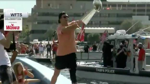 Tom Brady Throws Vince Lombardi Trophy Over Water During Super Bowl Celebrations