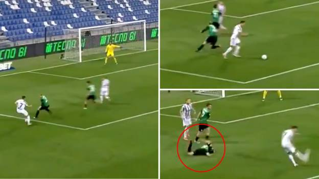 Cristiano Ronaldo Is Breaking Ankles Again With His Signature Stepovers And It's Bringing Back Memories