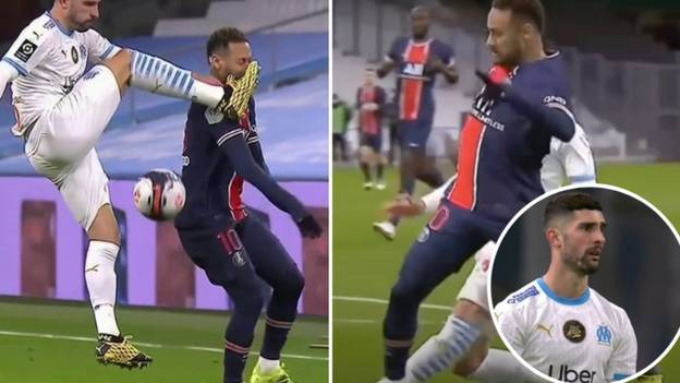 Alvaro Gonzalez Tried To Kick Neymar In The Head, Ended Up Going Off Injured