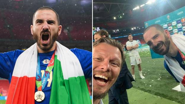 Fans Think Leonardo Bonucci Is The 'King Of Sh*thousing' After Catching An Upset Harry Maguire In A Selfie