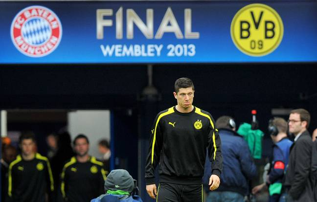 Lewandowski warms up for Dortmund ahead of their Champions League final vs Bayern in 2013. Image: PA Images