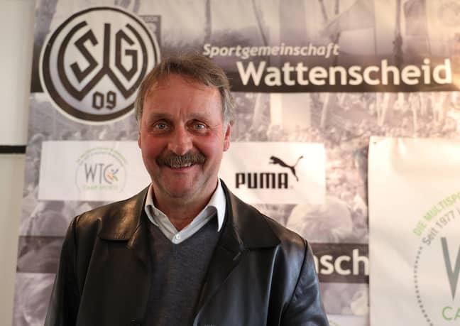 Peter Neururer at his SG Wattenscheid 09 unveiling (Image Credit: PA)