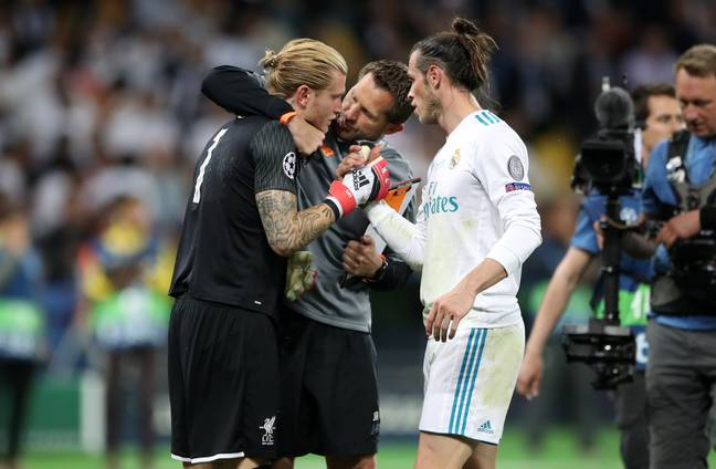 Bale speaks to Karius after his mistake. Image: PA Images