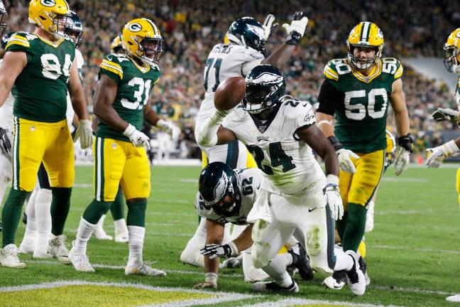 Jordan Howard scored three touchdowns as the Philadelphia Eagles beat the Green Bay Packers at Lambeau Field