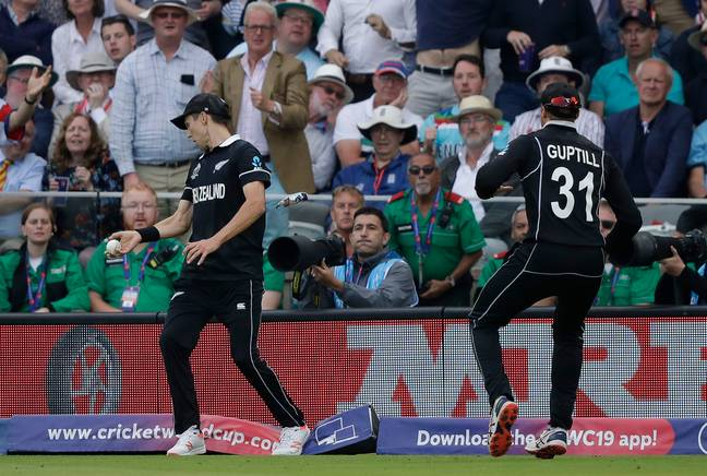 Boult steps back onto the rope. Image: PA Images