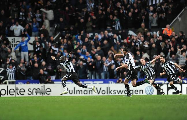 The Newcastle players chase their goalscorer in celebration. Image: PA Images