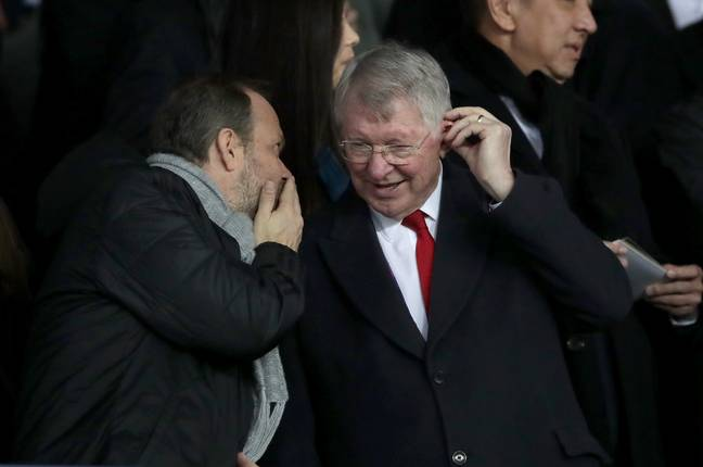 Woodward whispers his transfer plans to Sir Alex. Image: PA Images