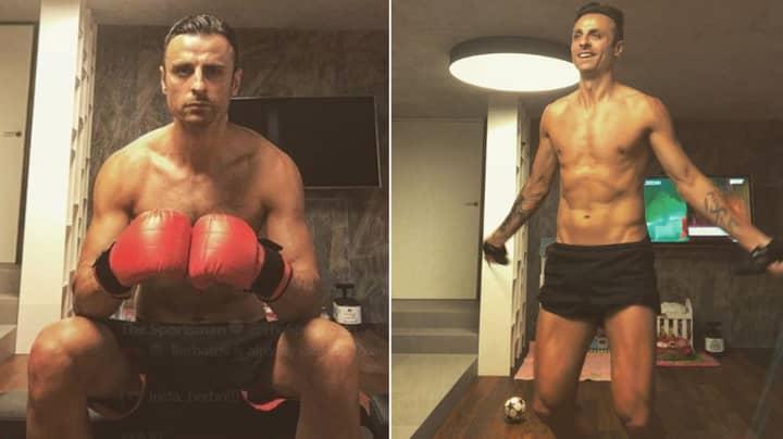 Dimitar Berbatov Hilariously Mocks Rio Ferdinand For Failed Boxing Career