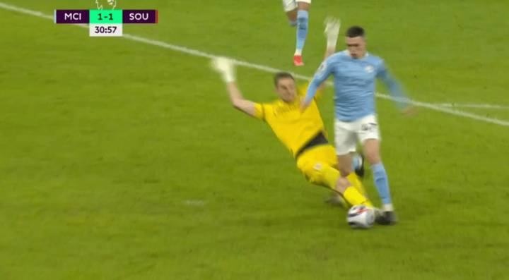 Phil Foden Bizarrely Denied Penalty After Being Fouled In Box Despite VAR Review