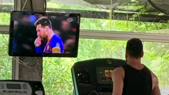 Lionel Messi Watches Himself While On The Treadmill At The Gym
